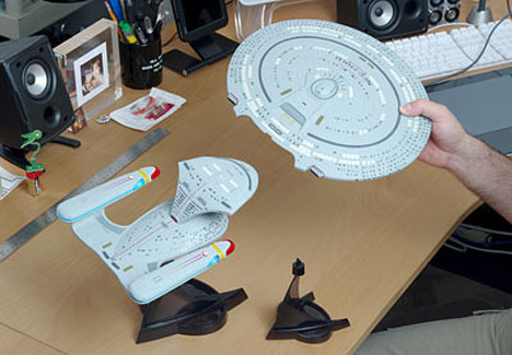 Star Trek Enterprise 1701-D Replica Includes Saucer Separation ...